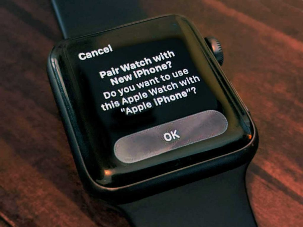 Pair Apple Watch with new iPhone on screen message