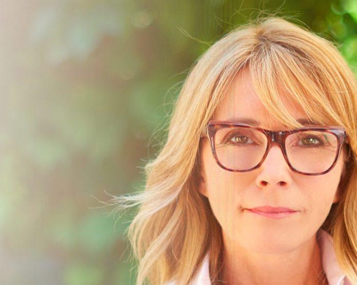 Blood pressure monitoring via smart glasses