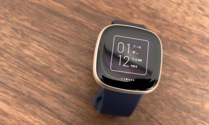 Fitbit smartwatch Sense and Versa clock face selection using the Clocks app