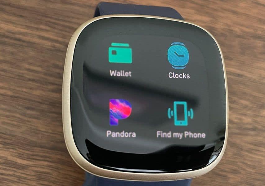 Fitbit smartwatch clocks app