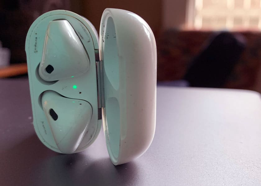 AirPods generation 1 quite dirty