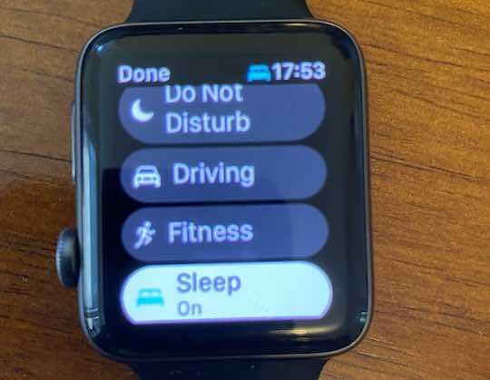 Enable Sleep lock mode on Apple Watch with watchOS 8