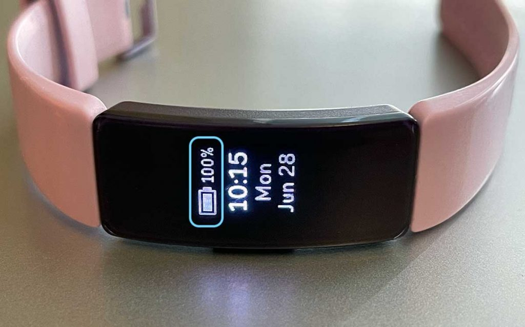 see the remaining battery on your Fitbit tracker