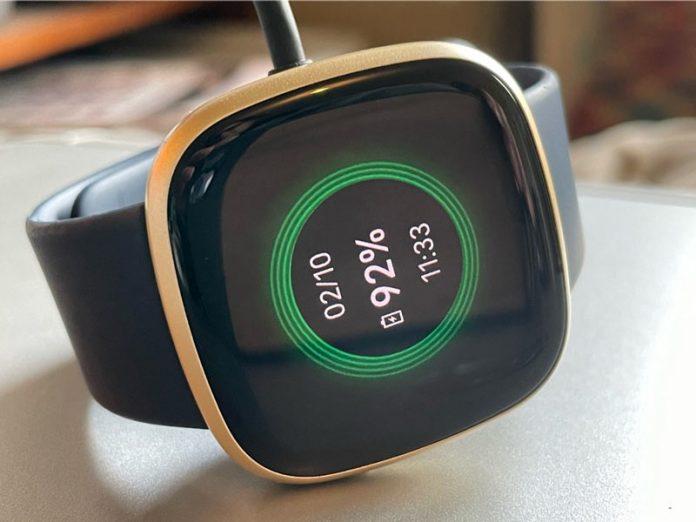 charging status for Fitbit Versa 3 or Sense