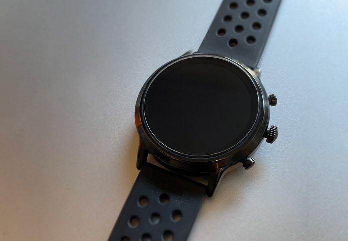 Fossil smartwatch won't turn on