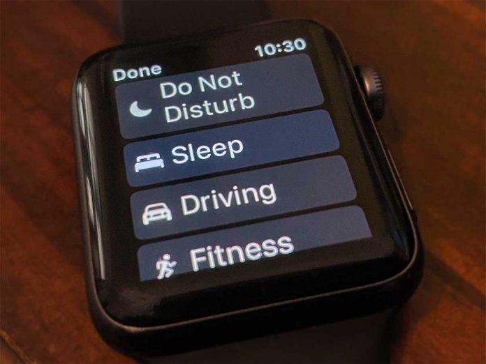 apple watch sleep mode toggle on watchOS 8