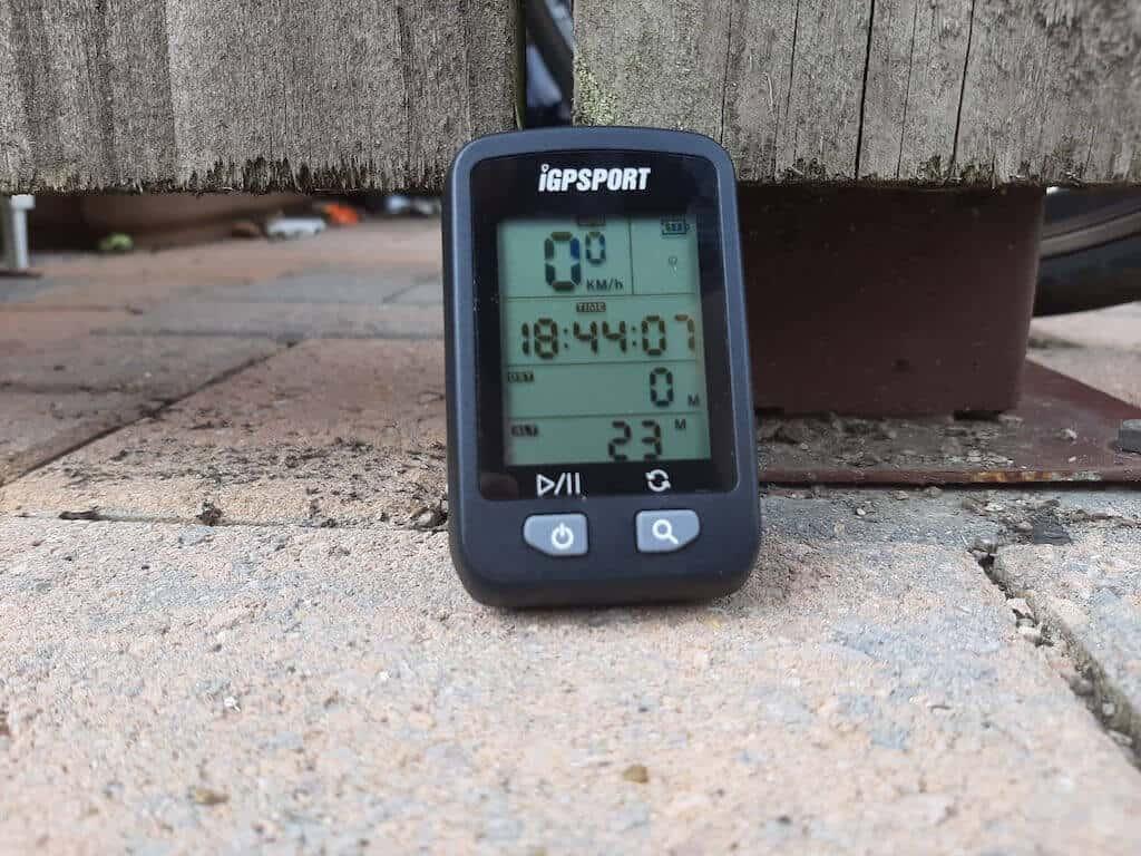 iGPSPORT 20E display not mounted on bike