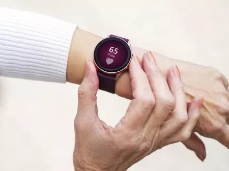 owlytics healthcare smartwatch for seniors