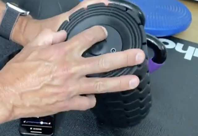 Vibrating Foam rollers Theragun features