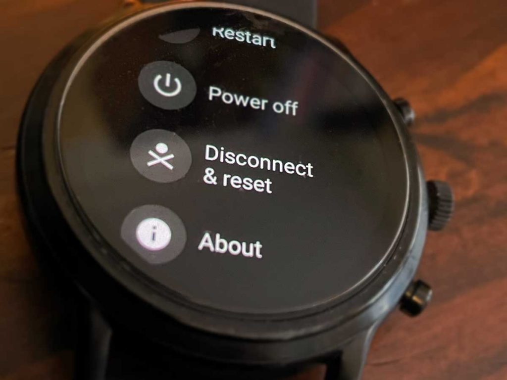 wearOS Fossil smartwatch disconnect and reset options in Settings app System settings